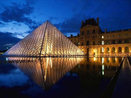 pyramide-louvre hd viaprestige
